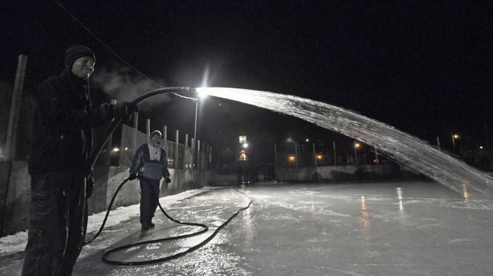 The Fairmount Park Ice Masters are flooding the rink in the park, at least when the weather cooperates. BEACH METRO NEWS FILE PHOTO