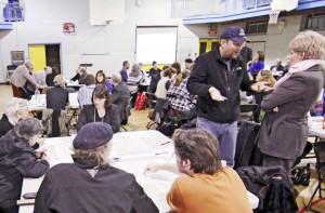 Residents talk traffic at Leslie Barns meeting