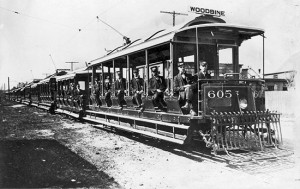 Streetcars waiting to start for the Woodbine Racetrack. - [1908-1912]