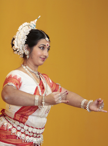 Dancer and Pallavia Arts Centre teacher Mukur De performs a classical Indian dance in honour of Saraswati Puja, a holiday for the Hindu goddess of music and learning, at the opening of the Toronto Tabla Ensemble's new Gerrard Street East studio on Jan. 24.